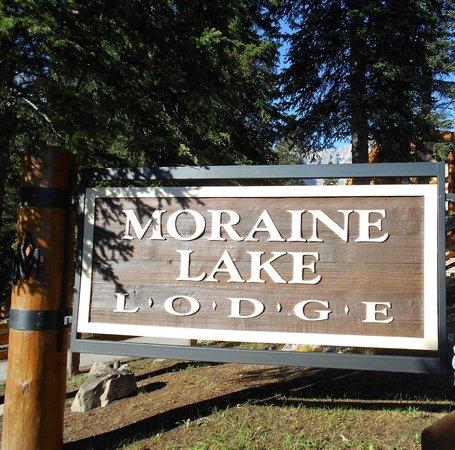 Moraine Lake Lodge : Morraine Lake Lodge