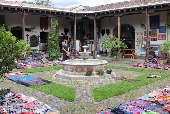 ChocoMuseo: View of the courtyard inside