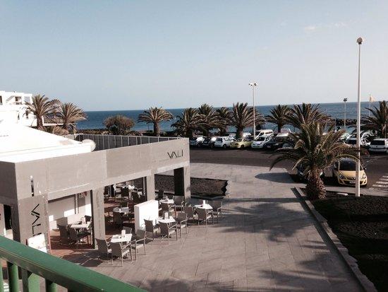 Apartamentos Galeón Playa: Front seaview from balcony block 1