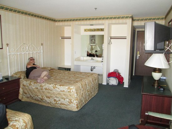 Longstreet Hotel & Casino: Longstreet Inn and Casino Room