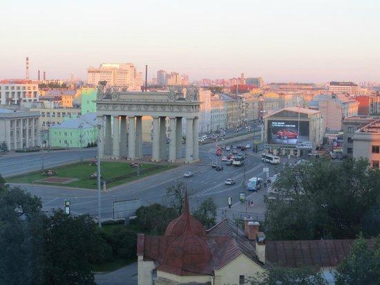 Holiday Inn St. Petersburg Moskovskiye Vorota: view from 6th floor at 10:30pm (white nights)