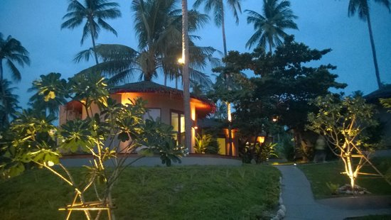 Sea Dance Resort: Our cottage by night