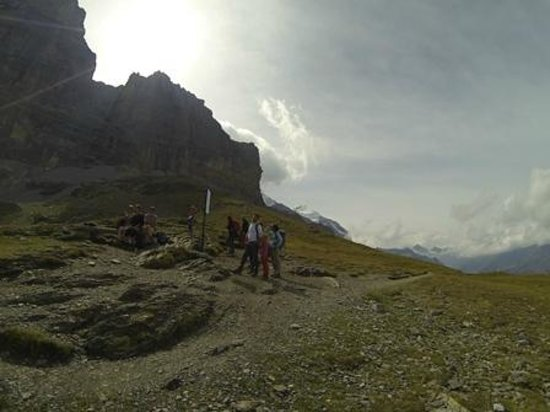 The Eiger Trail: Eiger trail - No mirante com visão da parede norte do Eiger
