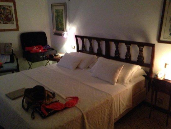 Romantic Hotel & Restaurant Villa Cheta Elite : La nostra stanza !!