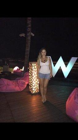 W Bali - Seminyak: bar beside the beach