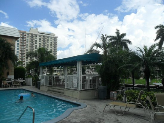 Coconut Bay Resort: Desde la pileta del complejo se observa este panorama