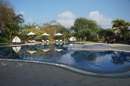 Princess D'An Nam Resort & Spa: One of beautiful pools