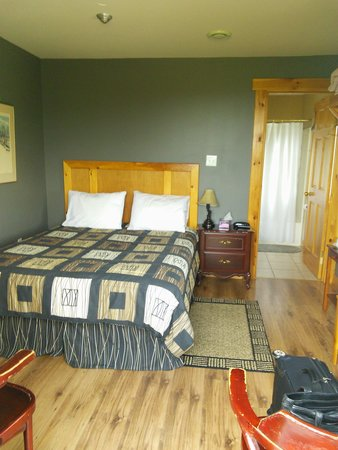 Bears Cove Inn: Room 1