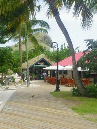 Sandals Grande St. Lucian Spa & Beach Resort: barefoot by the sea