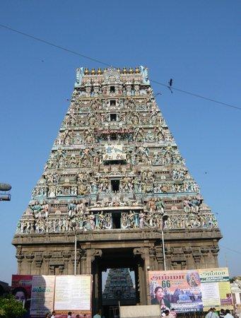 Kapaleeshwar Temple: カーバーレーシュワラ寺院