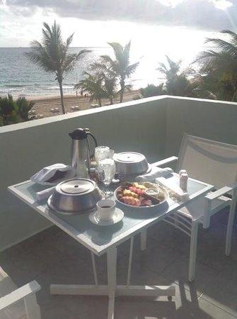 La Concha Renaissance San Juan Resort: breakfast on the balcony.  rm 305