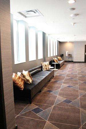 W Minneapolis - The Foshay: Hallway
