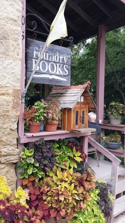 Mineral Point, WI: Welcome to Foundry Books