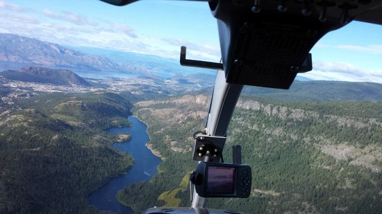Alpine Helicopters: cockpit view of Rose Valley Lake
