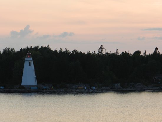 Big Tub Lighthouse : The Lighthouse at Sunset