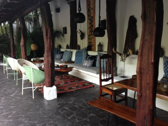 Tribal Hotel : Pool and Dining Area