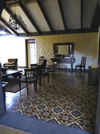 1915 Hotel: lounge