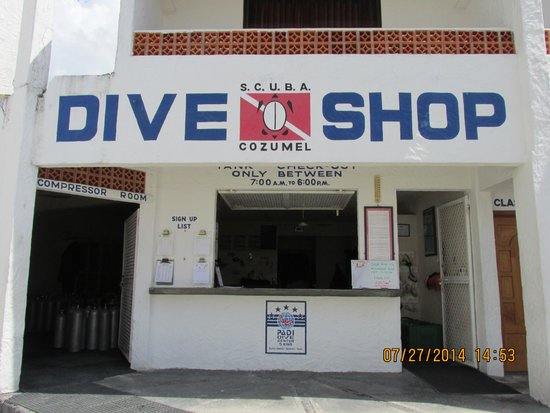 Scuba Club Cozumel: The on-site dive shop is PADI 5 Star