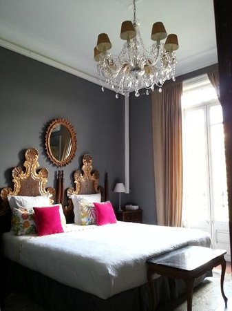 Casa de Billy Barcelona: Guestroom facing Gran Via