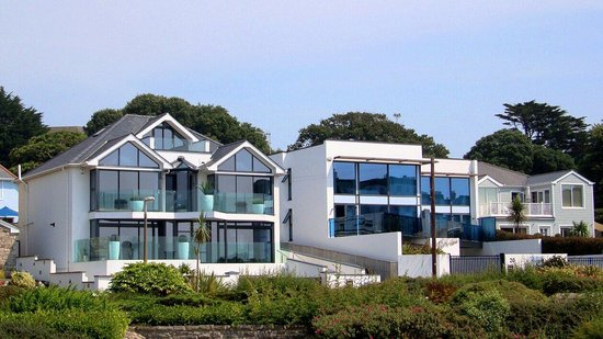 Sea view houses at Sandbanks