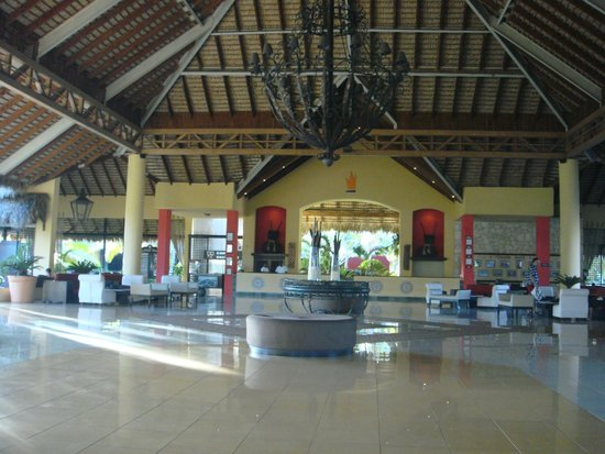 Caribe Club Princess Beach Resort & Spa: Saguão principal