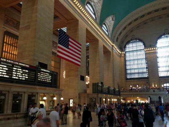 Grand Central Terminal : Grand Central Station & the US Flag