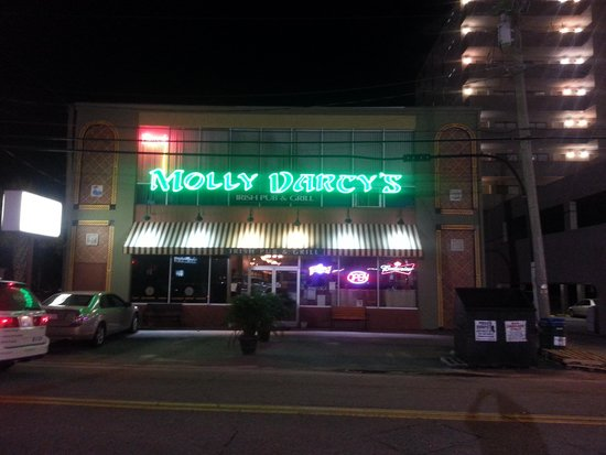 Molly Darcy's On the Beach: it was DAYTIME when we arrived