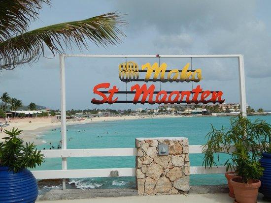 Sonesta Maho Beach Resort, Casino & Spa : the view from the buffet restaurant