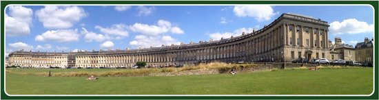 Royal Crescent: The entire crescent on a sunny day in Bath