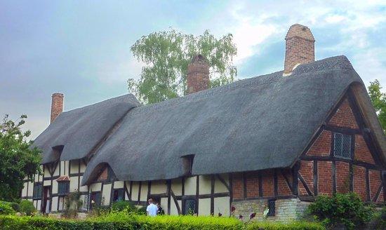 Anne Hathaway's Cottage & Gardens: Anne Hathaway's Cottage