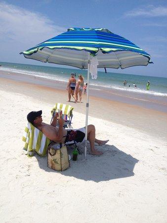 La Quinta Inn & Suites Oceanfront Daytona Beach: Gorgeous guy on gorgeous beach :o)