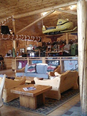 Northern Outdoors Adventure Resort : lodge 3