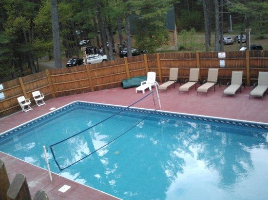 Northern Outdoors Adventure Resort : pool
