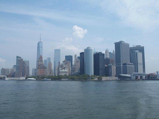 Staten Island Ferry : Manhattan skyline