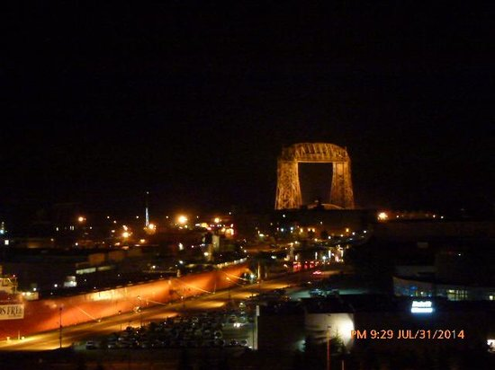 Holiday Inn & Suites Duluth Downtown: The Lift Bridge in the Twin Ports