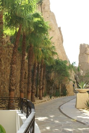 Grand Solmar Land's End Resort & Spa : rocks