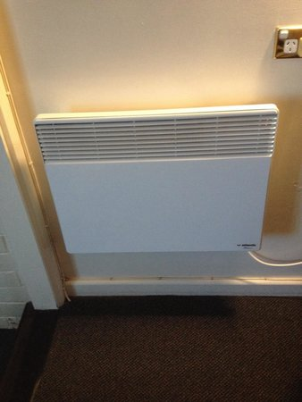 Abel Tasman Airport Motor Inn: The heater