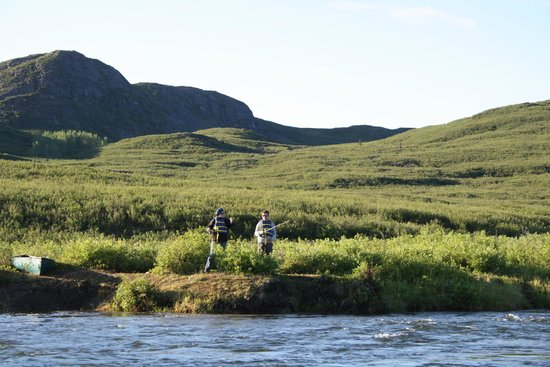Maclaren River Lodge: Fishing friends