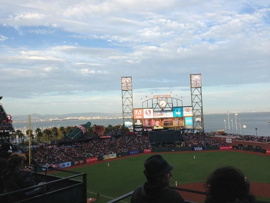 AT&T Park : Twilight at the ball game