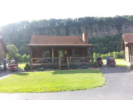 Smoke Hole Caverns & Log Cabin Resort : This was our cabin.  Check the view in the background!