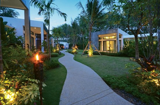Wanaburi Hotel: Gardens