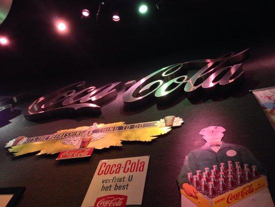 World of Coca-Cola: Durante la prima spiegazione