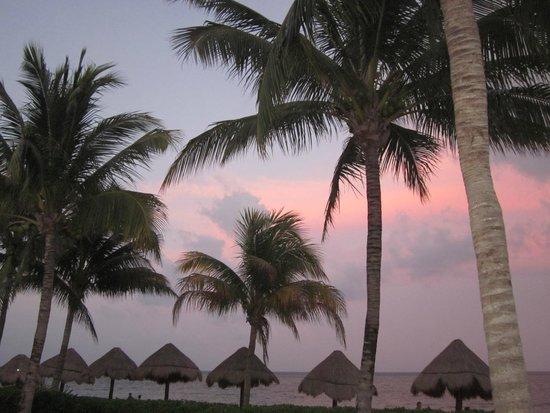 Secrets Capri Riviera Cancun: Sunset