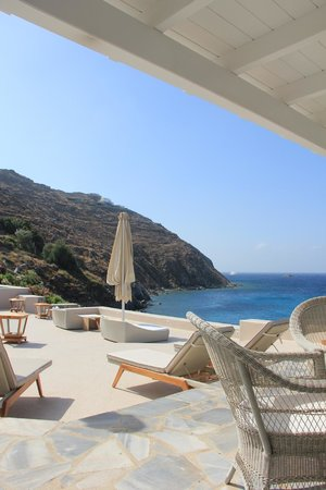 Santa Marina - A Luxury Collection Resort: Very nice view from breakfast restaurant