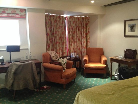 Noel Arms Hotel: Our room - nice and spacious