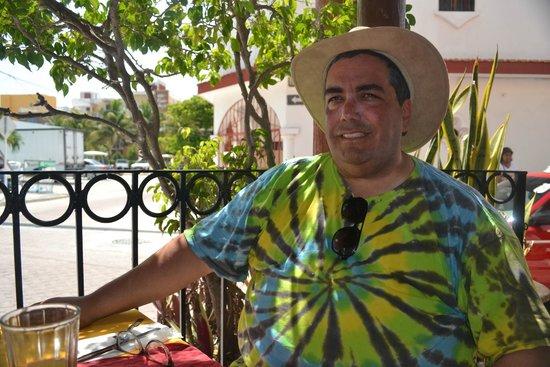 La Cazuela M & J: Enjoying the shade of the porch...