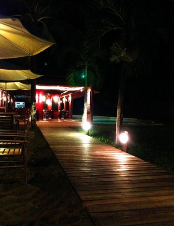 El Coconut Beach Club : Outdoor dining area