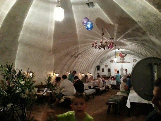 Preshaz Etterem: Im Restaurant - gemütliche Atmosphäre
