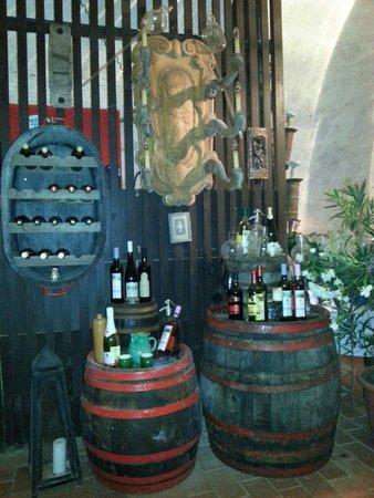 Preshaz Etterem: Typisch alte Weinpresse