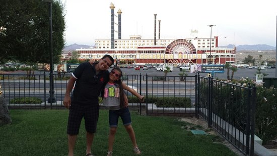Tropicana Laughlin : Me and my  dad takinf a photo outside if tropicana yay!!!!!♡♥♥♥♥♥♥♥